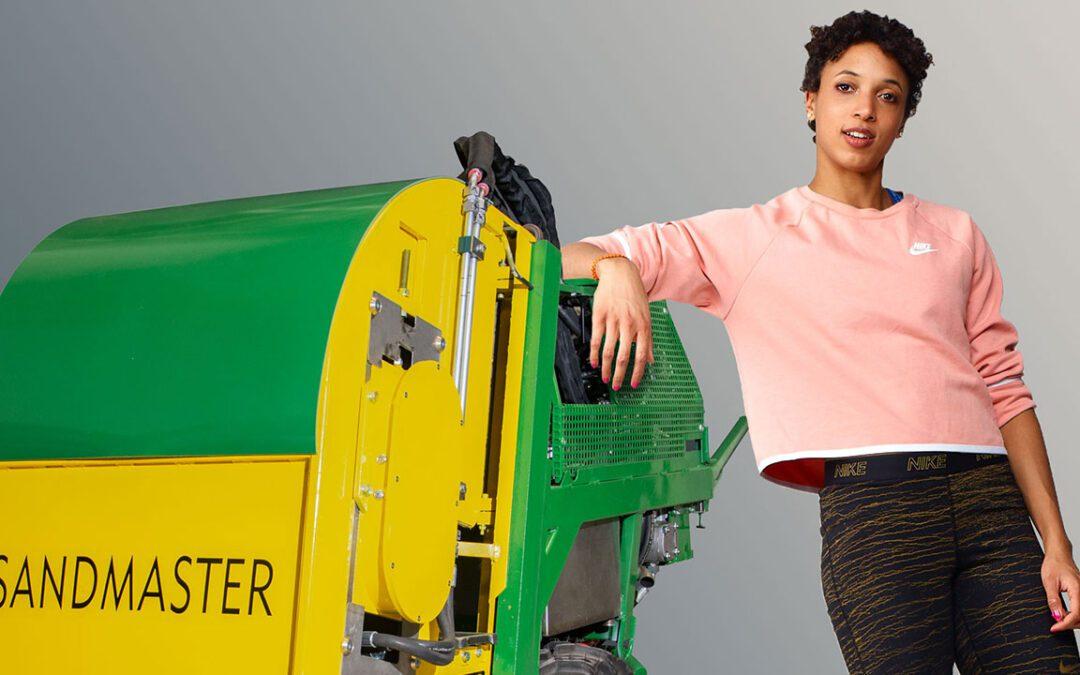 Sandmaster brand ambassador Malaika Mihambo trains with Carl Lewis
